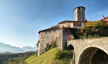 Castel_Valer_autunno.jpg